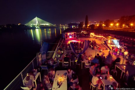 warsaw-riverside-cud-nad-wisla-by-night
